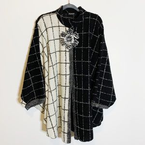 Lee Andersen Applique Knit Poncho Sweater BW10